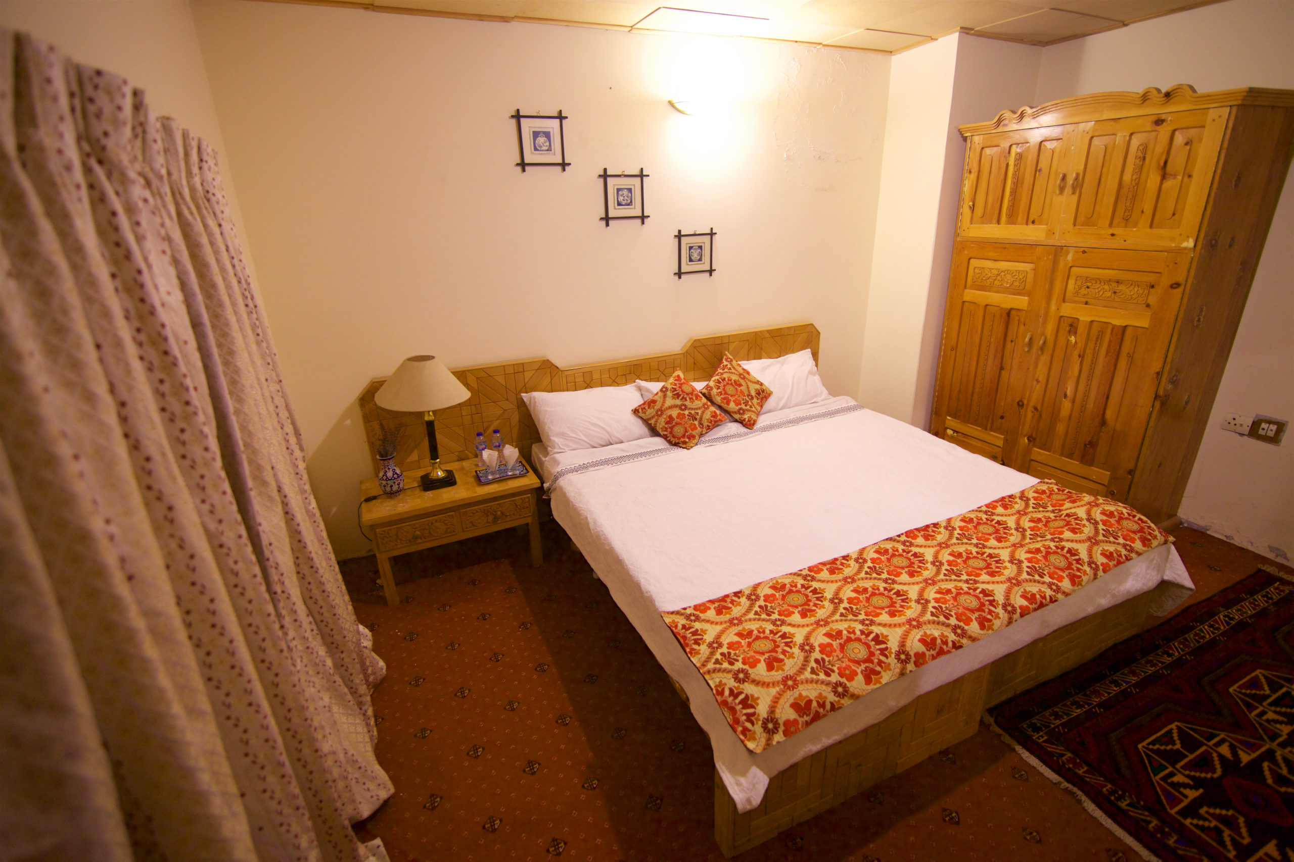 Sarai SIlk Route Deluxe Bedroom